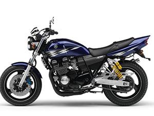 Yamaha XJR спортбайк 400 R
