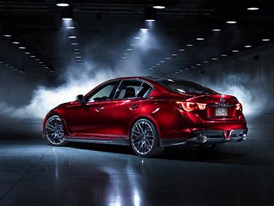 Infiniti Q50 Eau Rouge будет стоить дороже BMW M5