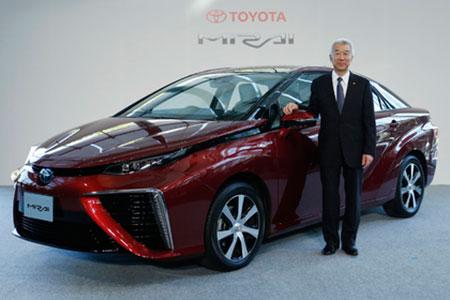 Концерн Toyota стартует продажи серийной модели на водороде