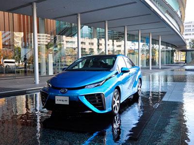 Компания Toyota намерена увеличить выпуск Mirai