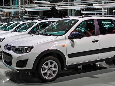 АвтоВАЗ в марте увеличит число производимых Lada Largus Cross