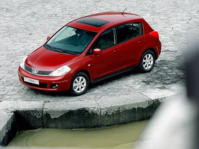 В России уже предлагается новая модель Nissan Tiida